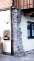 Fassade mit Steinplatten beklebt