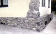 rustikale Steinwand