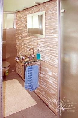 Schiefer im Badezimmer