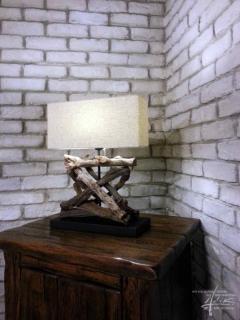 Ziegelwand mit Licht