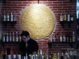 Ziegelwand in einer Bar