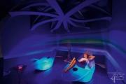 Ruheraum blau mit UV-Farben
