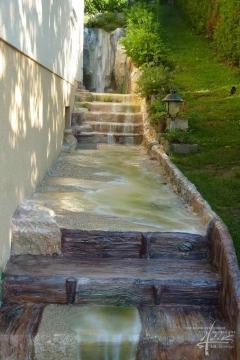 Bachgestaltung am Beton
