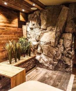 Felsenwand bei de Sauna