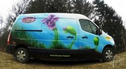 Auto mittels Airbrush lackiert