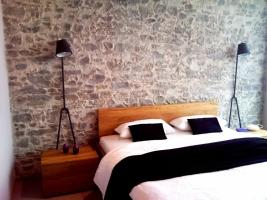 Wandgestaltung am Bett