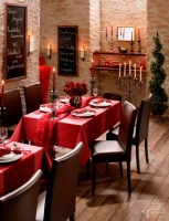 Mediterrane Steinwand im Restaurant