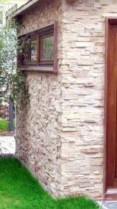Steinwände außen