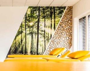 Wandmalerei mit Holz